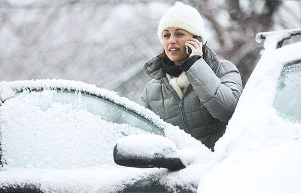 stranded-in-the-snow-car