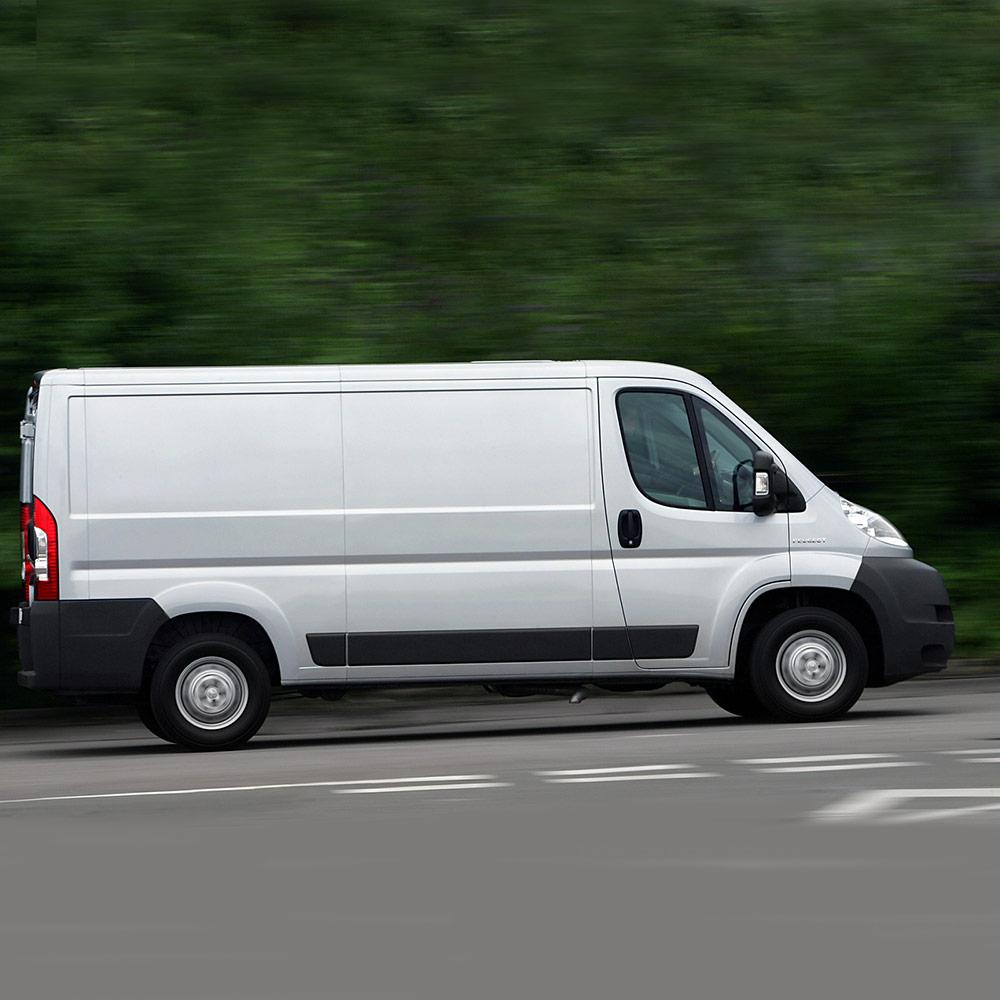 Peugeot-Boxer-van-Zepplin-Windows-before
